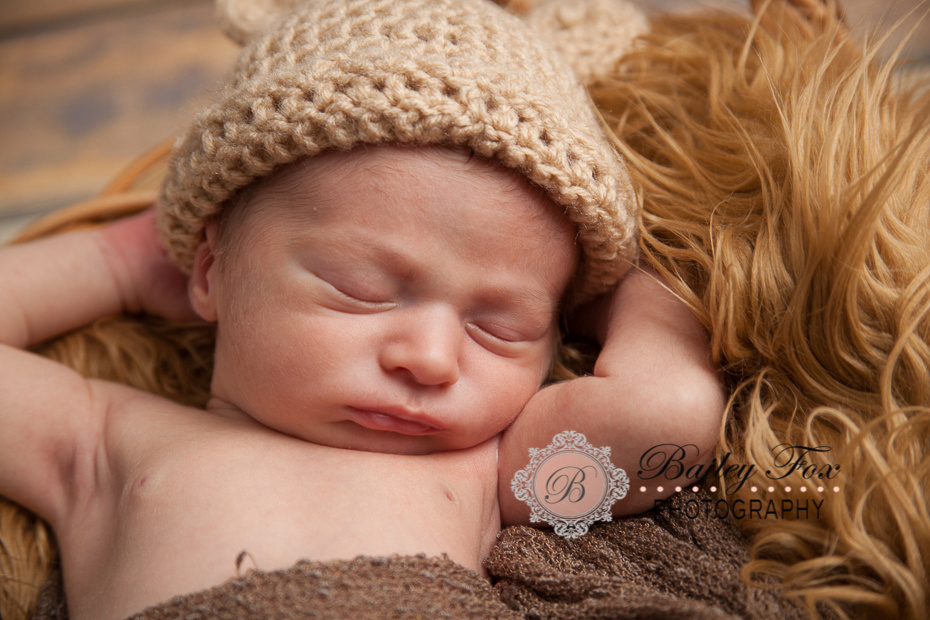 professional newborn photography by bailey fox. bailey's photography studio is located in warwick rhode island