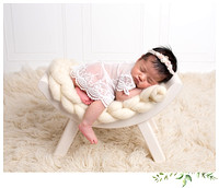 Newborn baby photographer in rhode island